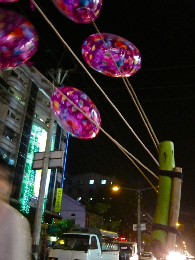 Bamboo_balloons_2