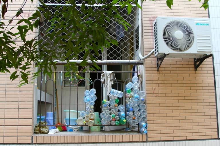 window_bottle_storage_1